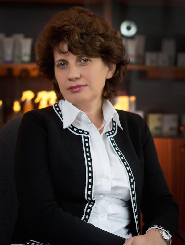 Susana Laszlo, Director General Cosmetic Plant (1)