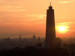 Foto tomada desde un edificio de Nuevo Vedado, se ve la silueta de la Plaza de la revolución, la cúpula del Capitolio Nacional y otros importantes edificios de la Habana.